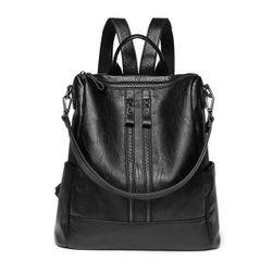 Koženkový dámský batoh s popruhy - černá barva