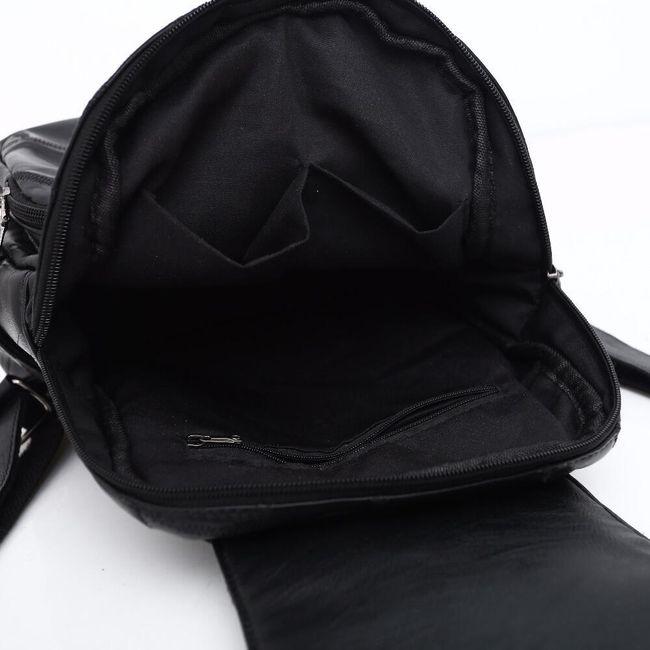 Hátizsák műbőrből - fekete