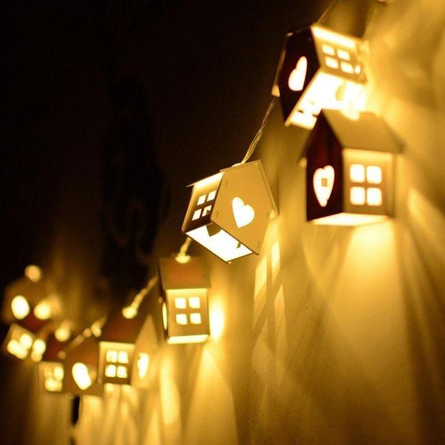 Vánoční LED světlo - 10 domečků 1