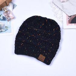 Téli sapkák hosszú hajra - fekete szín