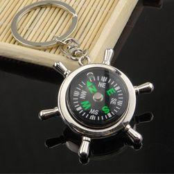 Brelok do kluczy w kształcie steru z kompasem