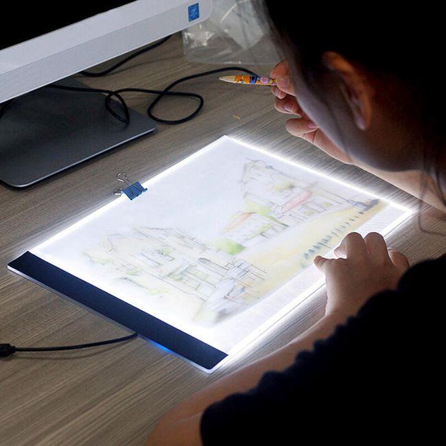 Tablica LED z podświetleniem do odrysowywania 1