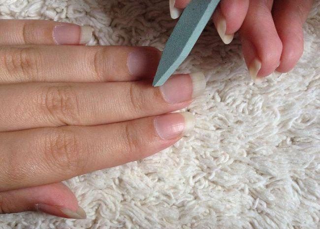 Pilník na nehty z kamene 1