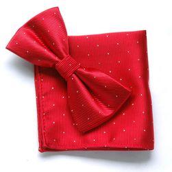 Červený motýlek s kapesníčkem