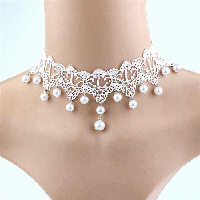 Bílý obojek s umělými perličkami 1