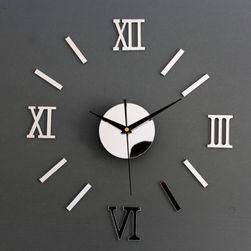 Zegar ścienny z rzymskimi cyframi