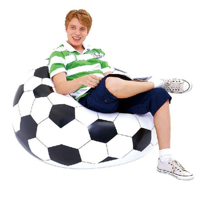 Nafukovací fotbalový míč na sezení 1