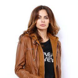 Ženska jakna u bajkerskom dizajnu