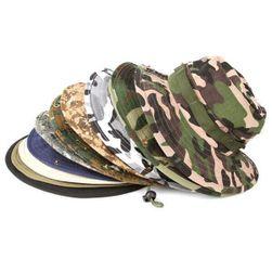 Шляпа в военном стиле