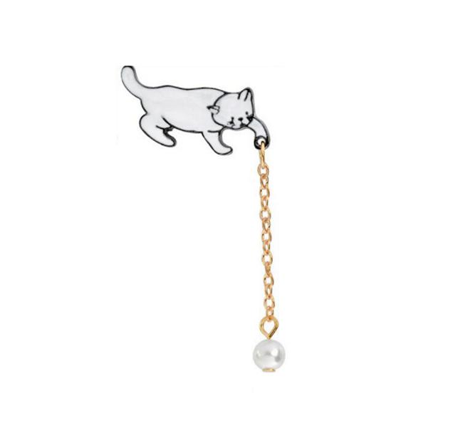 Brož s kočkou 1