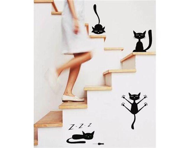 Samolepky na zeď s motivem hravé kočky 1