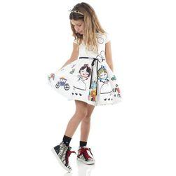 Dívčí šaty s širokou sukní