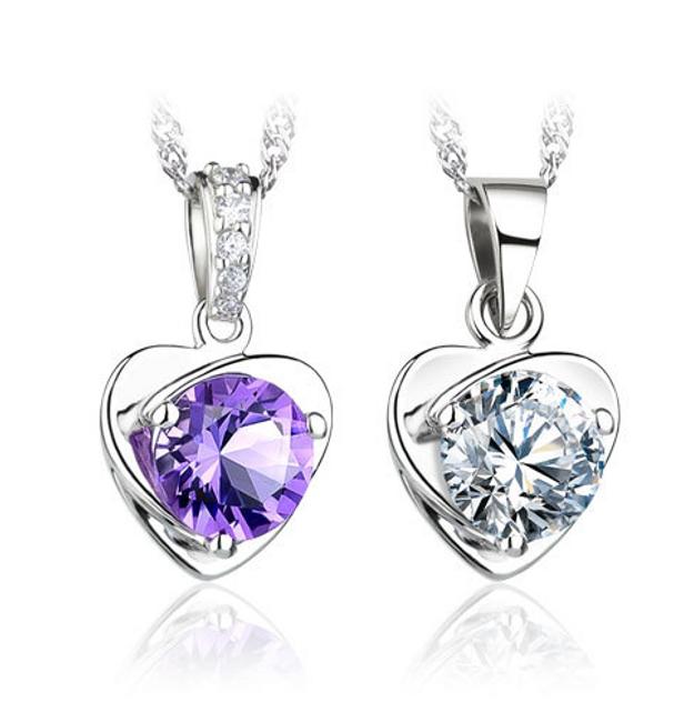 Přívěsek ve tvaru srdce s broušeným kamínkem 1