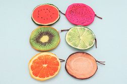 Malá peněženka v designu ovoce