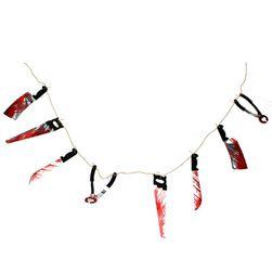 Halloween nyaklánc véres eszközökkel