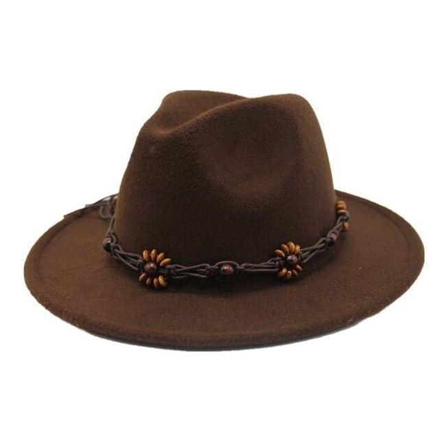 Férfi kalap övvel és gyöngyökkel