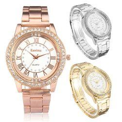 Дамски гривнен часовник с уркаса от прозрачни камъчета