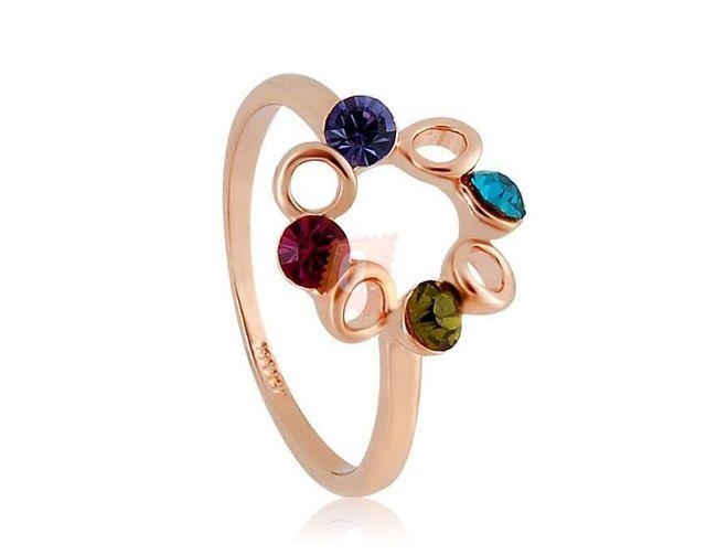 Prstýnek s kamínky v kruhu - zlatá barva 1