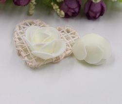 Trandafiri decorativi mici din spumă - alb