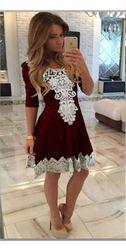 Női ruha csipke alkalmazással - 5 méret, 3 szín