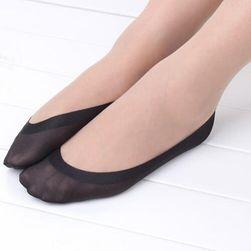 Csúszásgátló zokni a balerinák és a magas sarkú cipő számára