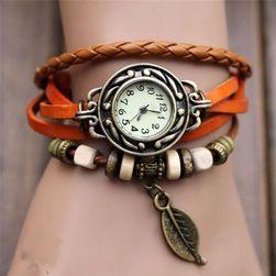Дамски часовник с мъниста и перце