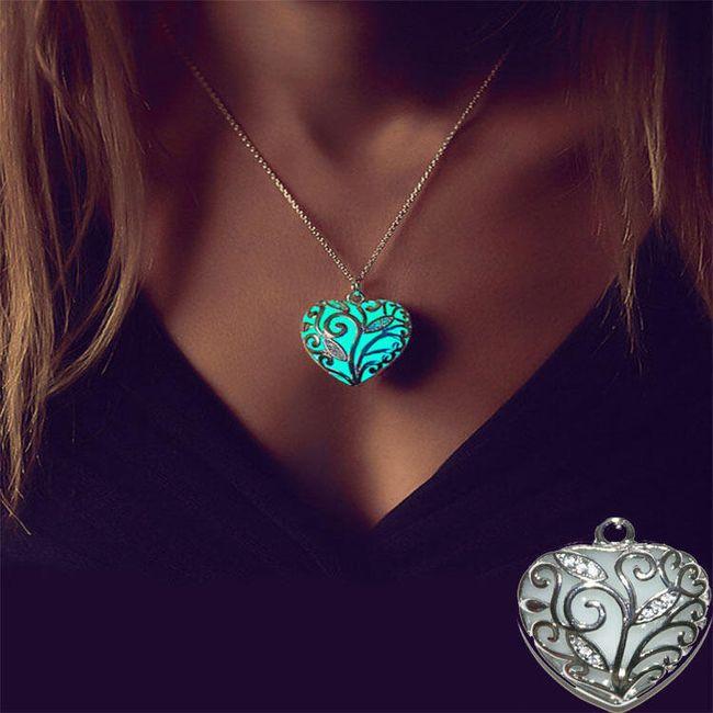 Világító nyaklánc szív alakú medállal 1
