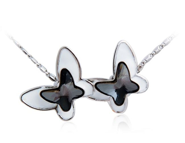 Náhrdelník s přívěskem ve tvaru dvou motýlků - 2 barvy 1