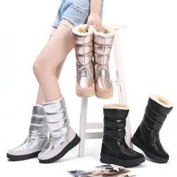 Дамски зимни обувки TF9496