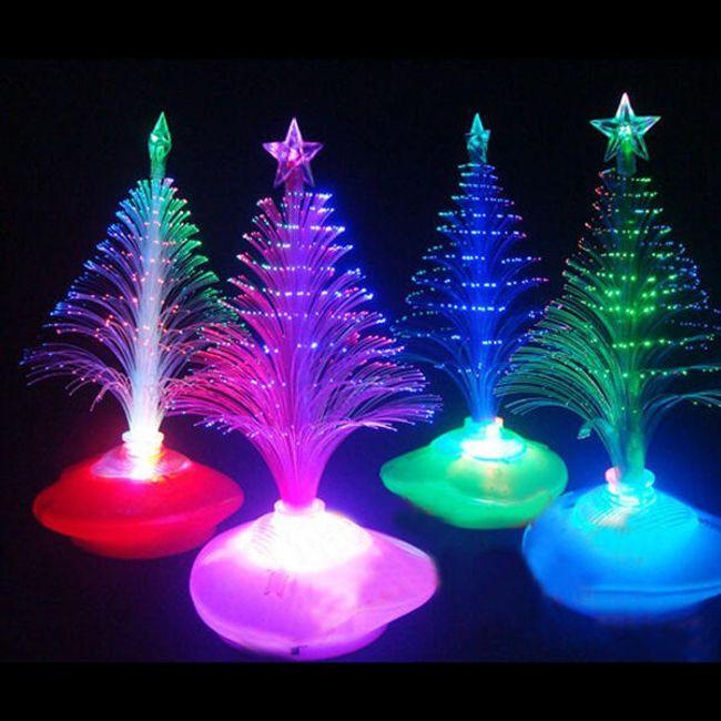Svítící dekorace ve tvaru stromečku 1