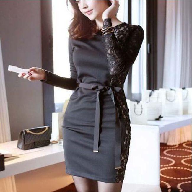 Černé pouzdrové šaty doplněné krajkou 1