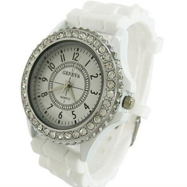 Zegarek z białym paskiem i kamyczkami 1