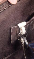 Háček  na klíče do kabelky