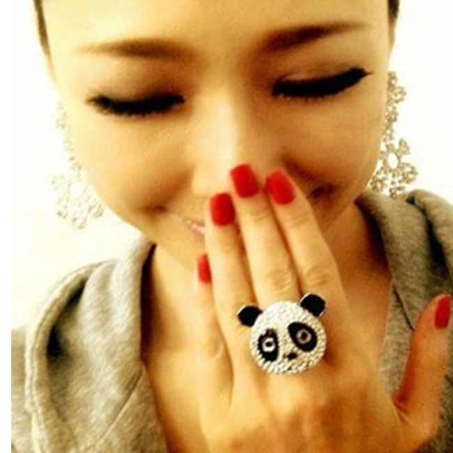 Prstýnek ve tvaru pandy - třpytivé kamínky 1