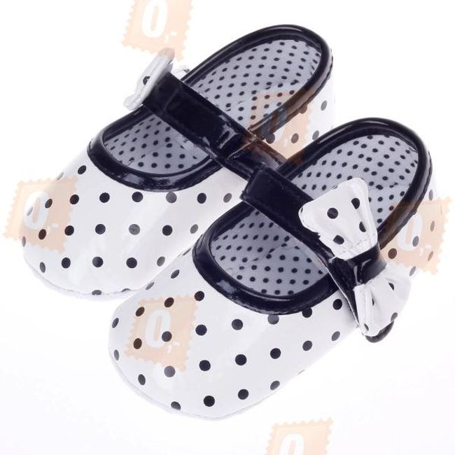 Dívčí boty s puntíky - velikosti od 3 do 12 měsíců 1