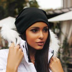 Едноцветна шапка за жени - 6 варианти