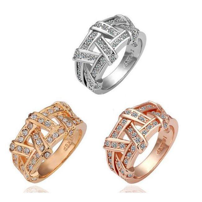 Przeplatany pierścionek z błyszczącymi kamyczkami 1