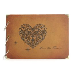 Kézzel készített fotóalbum szívvel