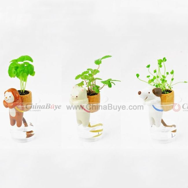 Hrnkové rostliny se zvířátky 1