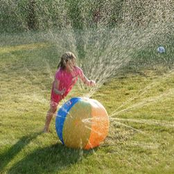 Lopta koja prska vodu