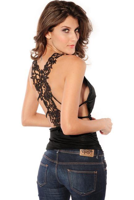 Czarny topik z koronkowym wzorem na plecach 1