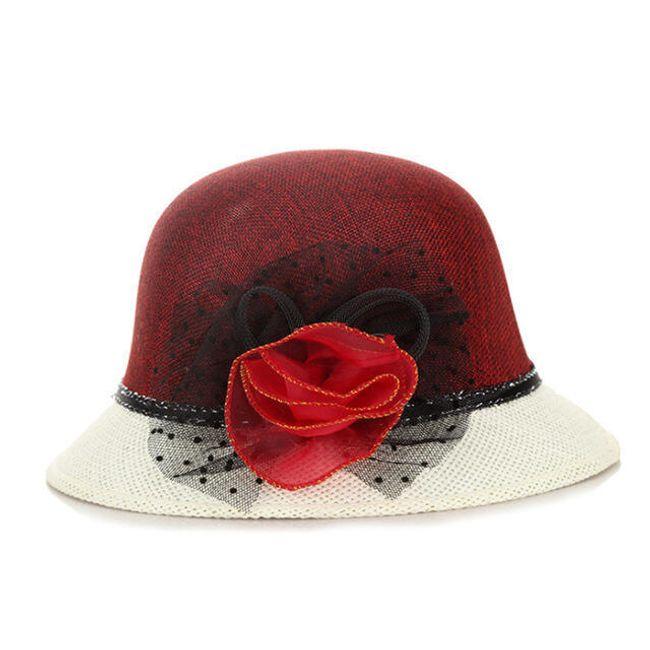 Kéttónusú női kalap díszítéssel