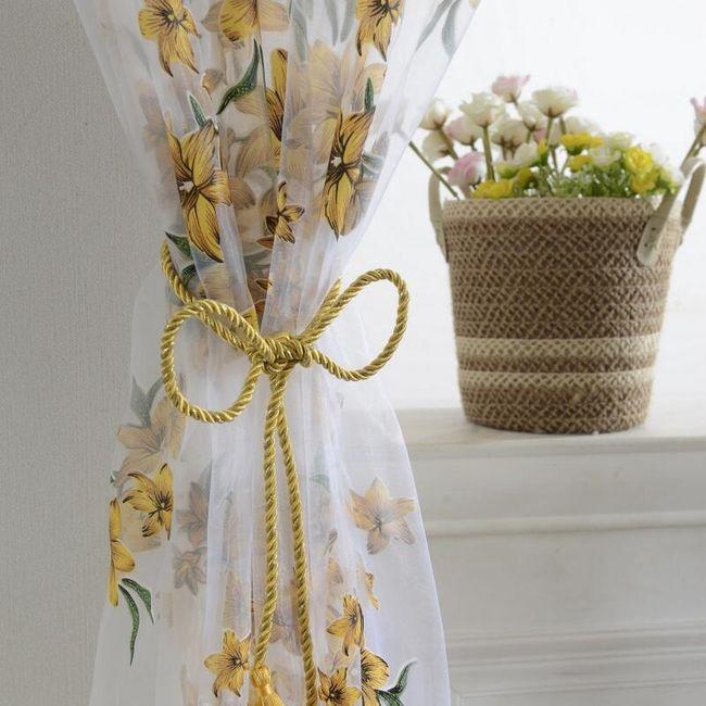 Zavesa s cvetovi 1