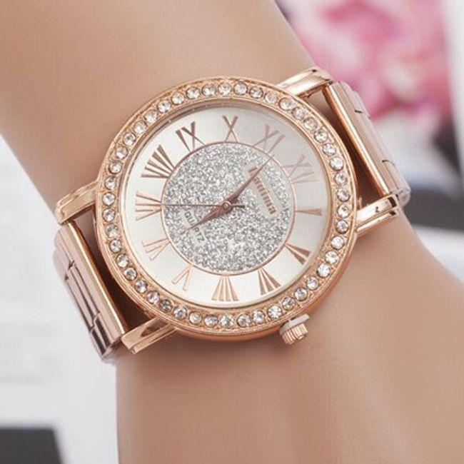 Ежедневен дамски часовник в златен цвят 1