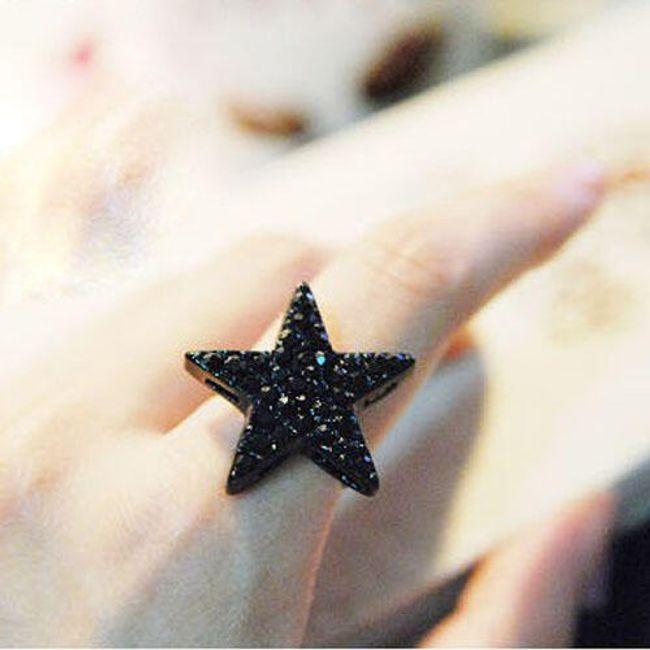 Černý prsten s hvězdou 1