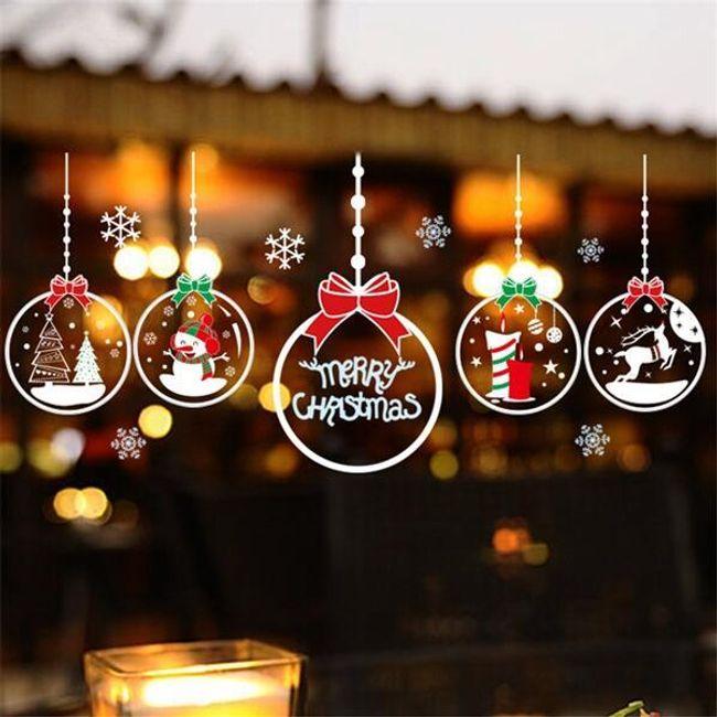 Стикер на стену в виде рождественских шаров 1