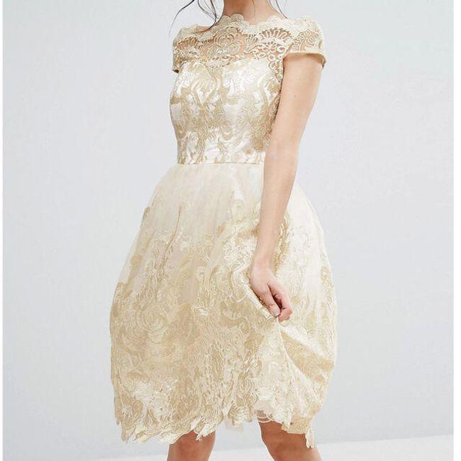 Elegáns ruha széles szoknyával