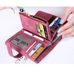 Dámská peněženka s módním přívěskem