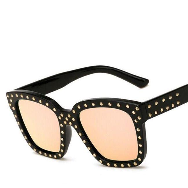 Sluneční brýle zdobené cvočky 1