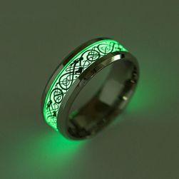 Pánský prsten svítící ve tmě
